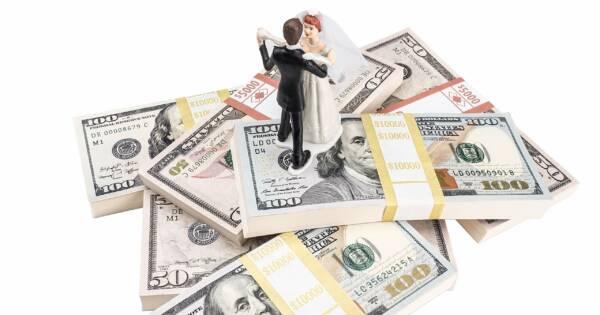 Wedding Cake Topper on Money