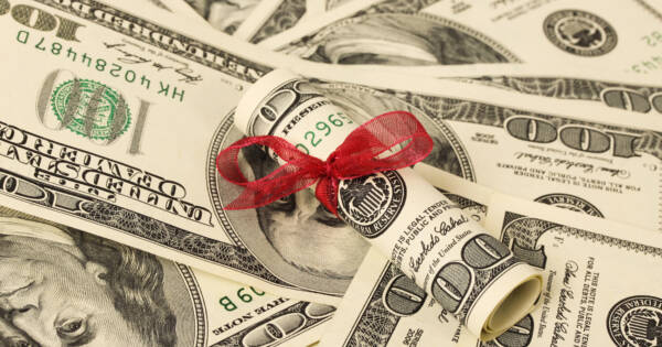 How to Give Money Without Paying the Federal Gift Tax