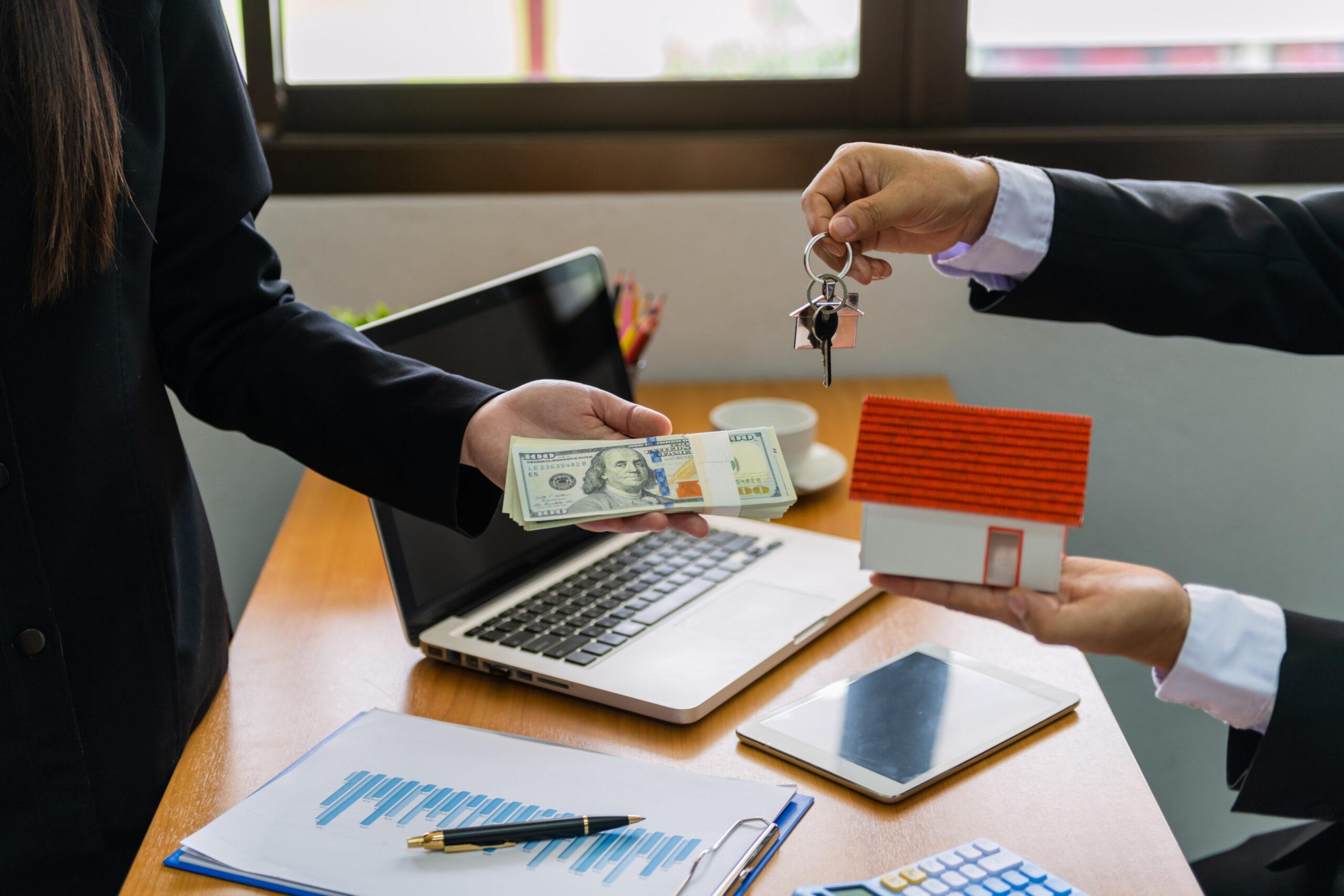 Escrow agent closing house deal
